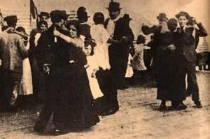 Танцы в Патио де лос Малевос, 1900е