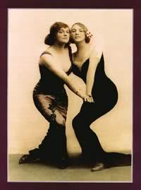 Таким видели танго дамы из высшего общества. (Почтовая открытка 1910-1913гг., Европа)